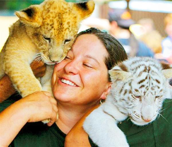 Lea Jaunikas is a President and Founder of Tiger World Liger Zoo.